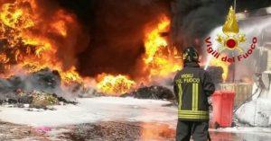 incendio-pomezia-vigili-fuoco-300x157