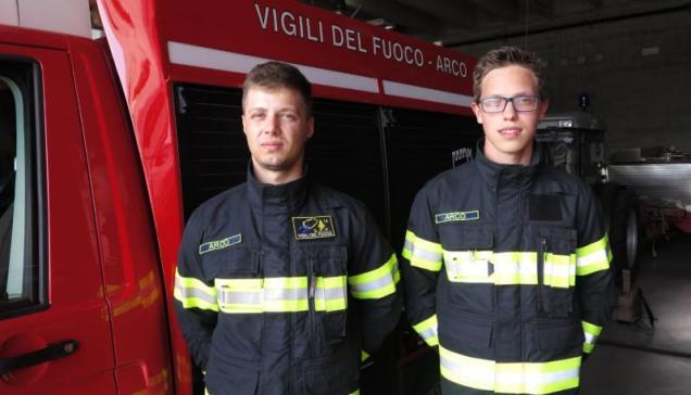 vigili del fuoco salvano bambino arco